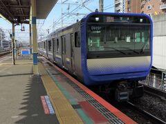 船橋駅から総武快速線・内房線で木更津に向かいます。  やってきたのはE235系。普通にE217系かなぁと思ってましたが狙わずとも新型車両が来ました・・・