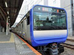 千葉駅到着。本日2度目の千葉駅です(笑)  千葉では数分停車するので少し撮影します。