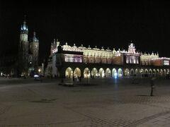 織物会館や聖マリア教会がある「中央市場広場」。