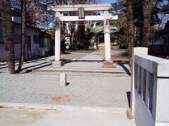 「高倉稲荷神社」10:37通過。 1718年享保3年創建の歴史のある稲荷神社です。