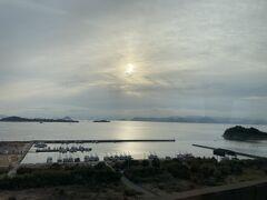 瀬戸大橋から見る朝日。 瀬戸大橋線に乗るのなど何年振りでしょう???
