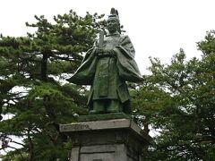 佐竹義堯公銅像