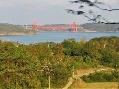 15:30 今日のお宿のある平戸島に移動して来ました。 平戸島と九州本土とは朱塗りの「平戸大橋」で繋がっています。