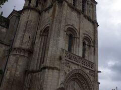 サント ラドゴンド教会 現存する建物は1012年以降に建設されました。 見事なロマネスク様式です。