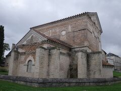 現存するフランス最古のキリスト教建築です。 古代と中世初期の建築様式が残ります。