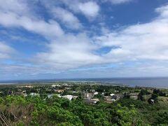 島の集落群を大正池展望台より見下ろす。