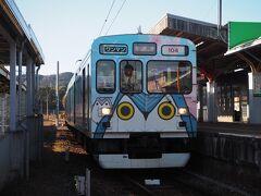 遅延無く伊勢神戸到着。 ここで近鉄線に乗り換えなのだが、どうやら10分程遅れている模様で、待たざるをえないのだが、ここ何にも無いじゃん。