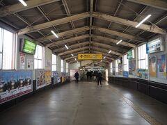 10分も経たずに松阪駅に到着。 JRと近鉄両駅が中で繋がっていて一つの駅になってます。