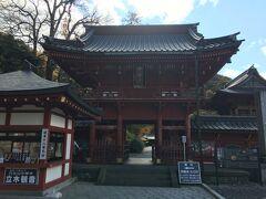 いろは坂の手前は滞っていましたが、いろは坂に入ると流れが円滑になり、写真を撮る暇もなく奥日光へ。 ここは中禅寺湖の名前の元となった中禅寺。