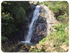 瀬尾観音三滝 一つにまとめてみました  高さ55mの高所から流れ落ちる三連滝です