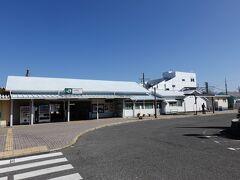 終点の大原駅に到着です。  お昼ご飯がまだなので大原駅で食べようと思っていました。しかしこのあと乗る東京湾フェリーの運航状況を確認したところ、コロナウィルスに感染した社員が出たとのことで便が大幅に減っていることがわかりました。