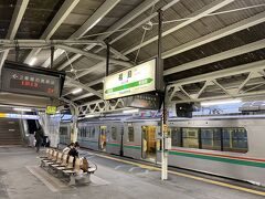 残念ながら結局道中は天候も悪く、それほど車窓を楽しむことができませんでした。 池袋を出て6時間ほどで福島駅に到着しました。 東京は暖かかったですが、こちらは肌寒い…。