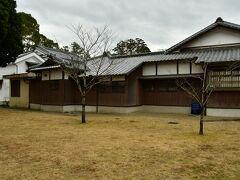 都城島津邸 明治維新後、一帯を治めていた島津氏は領主居館からここに居を移した。