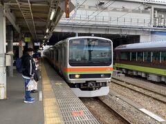 と思ったのですが、まっすぐ帰るのがもったいないので敢えて遠回りをして帰ります。  途中拝島駅で八高線に乗り換え。