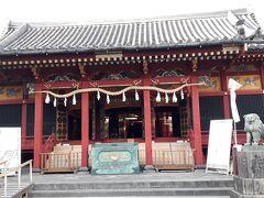 本当はこちらの方がメインなのに、誰もお参りに来ません。浅草神社。なので、御朱印をもらう社務所は早々と閉まっていました。