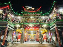 1807年創建の徳陽宮。