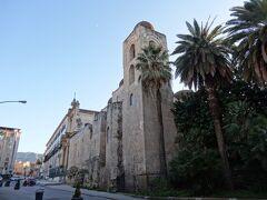 サン・ジョヴァンニ・デッリ・エレミティ教会到着。