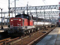 2021.03.06 八田 さて、笹島で抜いた2085レは当駅でまた長時間停車する。