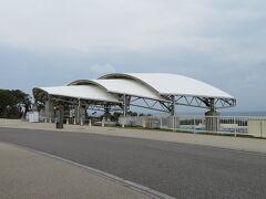 オキちゃん劇場。 ここのイルカショーは無料で観られます。