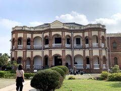 旧台南県知事官邸(休館日で入れず)
