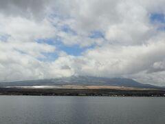 山中湖に着いたら富士山の頭がすっぽりと隠れていた