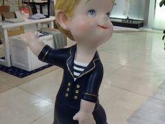 岡山高島屋 岡山高島屋で見られた人形。 各階に様々な衣服を着た状態で置かれていた。