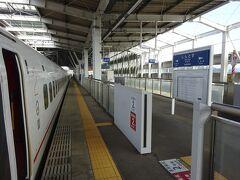 新鳥栖駅停車。 今回は一応コロナに配慮して、福岡県から出ないつもりだった。 けど、佐賀県に1歩だけ記してみた(笑)