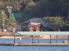 帰りは松大汽船  岸に見えるは長浜神社の鳥居