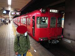 名鉄車両に乗車して大須観音駅で下車します。