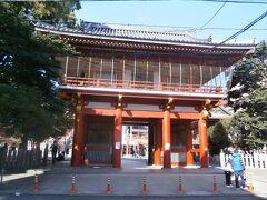 大須観音駅からスグの場所にある大須観音は正式名称は宝生院です。日本三大観音霊場のひとつとされています。