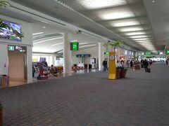 再び沖縄那覇空港の制限エリアに戻ってきました。