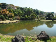 日本庭園。落ち着きます。