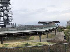 日本平山頂 夢テラス  回廊式の木製デッキ