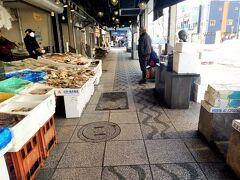 そして、おはようございます。二条市場にやってきました。閑散としており、寂しい感じは否めません・・・。