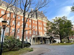 そしてハーバータウンにあるホテルにチェックイン。 外観はなかなか立派。  「ウォーターマークホテル長崎 ・ ハウステンボス」