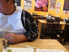 3月28日 やっぱりステーキ 5th あしびなー店 11:30入店 ついさっきベッセルホテルカンパーナ沖縄で 充実のブッフェ朝食したばかり・・・