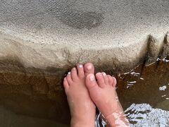30分足湯でまったり。 足の浮腫がひどい(T . T)