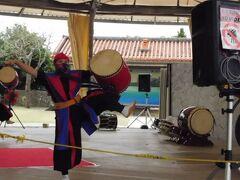 鍾乳洞を出て、昼過ぎからあったエイサーショーを観覧しました。 迫力のある太鼓と踊りでこれも見逃せません。