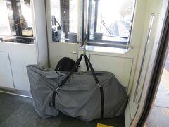 10:09 大垣駅で名古屋行きに乗り換えます。 このタイプの列車は自転車が積みやすいです。