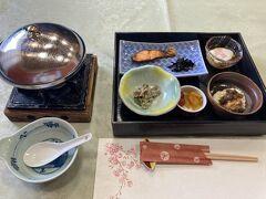 長野県千曲エリアの一人旅二日目。 旅館の朝食は、量もほどほどでおいしいです。 「湯の宿 福寿草」は、一人で泊まって夕食朝食付で約1万円と、コスパ抜群でした。