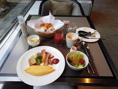 <レストラン チリエージョ>  優雅な朝食をいただくことができました。 とても美味しかったです!  あと30分早く開いていたら夫と一緒に食べられたのでちょっと残念でしたが仕方ありませんね。