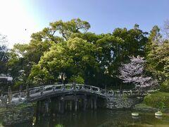 1749年(寛延2年)第7代久留米藩主によって創建。  (大砲ラーメン本店は、この近くにありました。)