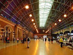 イベント会場のセントラル駅です。シドニーで最も大きいターミナル駅で昔の雰囲気も残しています。2020年のコロナ禍以降に久々の多くの人が集まるイベントです。