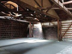 かつては酒・味噌・醤油を醸造し、 保管するために使用されていた江戸時代から昭和時代にかけての11棟の蔵群が、舞台や展示、演劇、コンサートなど様々な用途に使用されています。 ~桐生市HPより~
