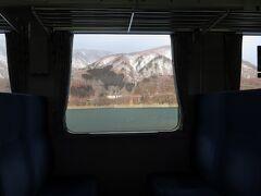 途中、錦秋湖という湖のほとりを走ります。