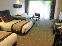 7月6日~7日 まだGoTOトラベル割引は開始前でしたが、箱根にあるハーヴェスト明神平に1泊。建物は古いけど、ホテルタイプのゆったりした清潔な部屋でした。