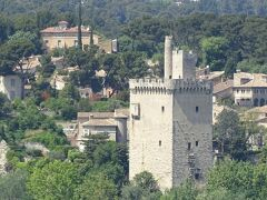 対岸にあるフィリップ美男王の塔。