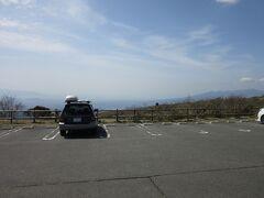 芦ノ湖スカイラインに箱根峠側から入って比較的直ぐの所に山伏峠の休憩所が在ります 道路が稜線上を走っており、海側を「フジビュー」山側と「レイクビュー」として、それぞれ店舗が在ります。