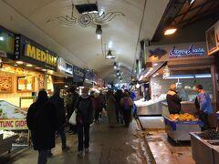 庶民の生活が垣間見える市場は面白い!ここはベイオールの魚市場よりもずっと生活感があふれる感じでした。