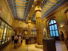 この展示室はいかにも古代エジプトといった雰囲気です。